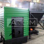 Механизированный водогрейный котел КВм-0,3Д для сжигания щепы с бункером